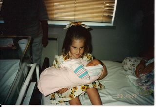 Lilly and newborn Zoey 001