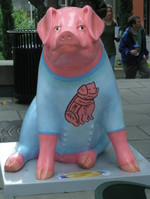 Pigs_in_the_city_614_002_3