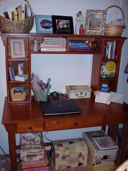 Desk_space_001